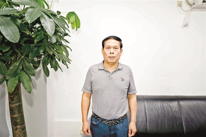 """王广泳:永不褪色的""""先锋战士"""""""