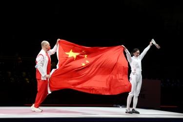高清:东京奥运会女子重剑个人赛 中国选手孙一文夺冠
