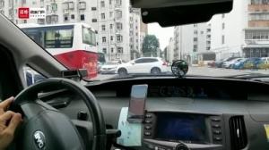 """深圳超5000辆爱心送考车温暖""""高考路"""""""